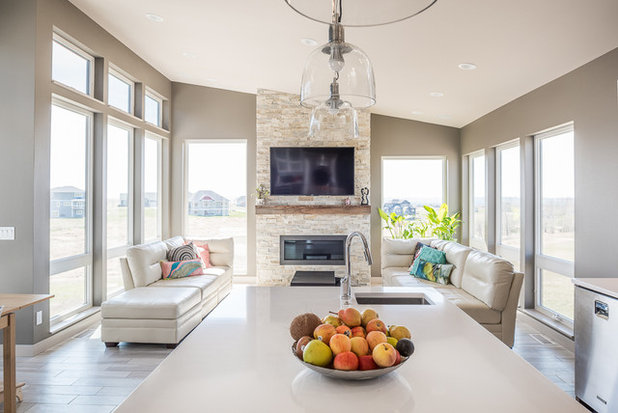 Modern Living Room by Plain View Design Co.