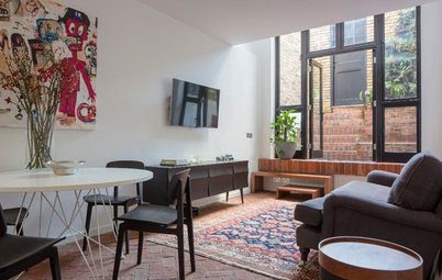 Houzz Tour: Thoughtful Design Works Its Magic in a Narrow London Home