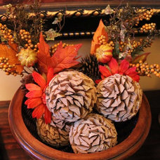 Traditional Living Room Wood Deco Balls with Fall Floral