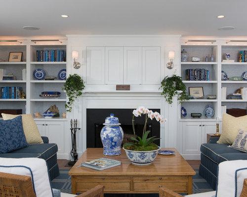 Salon avec une bibliothèque ou un coin lecture de luxe avec un ...