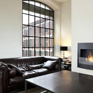 Wynn Black Wall Mounted Ethanol Fireplace