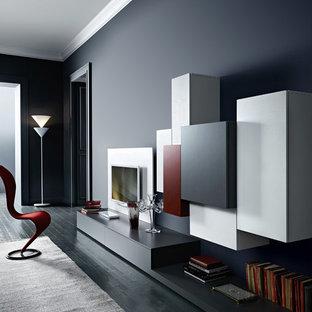 Foto de biblioteca en casa abierta, minimalista, grande, sin chimenea, con paredes azules, suelo de madera pintada y televisor colgado en la pared