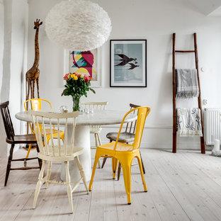 Exempel på en nordisk matplats, med vita väggar och ljust trägolv