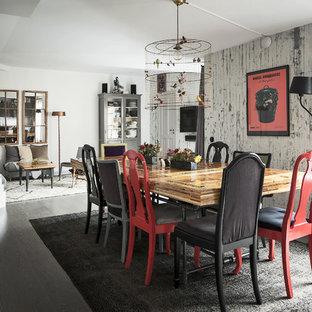 Idéer för nordiska matplatser med öppen planlösning, med vita väggar, mörkt trägolv och grått golv
