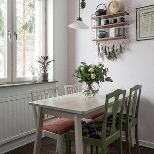 Idéer för små nordiska matplatser, med rosa väggar, mörkt trägolv och brunt golv