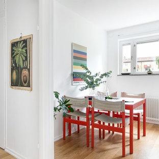 Inspiration för små eklektiska matplatser, med vita väggar