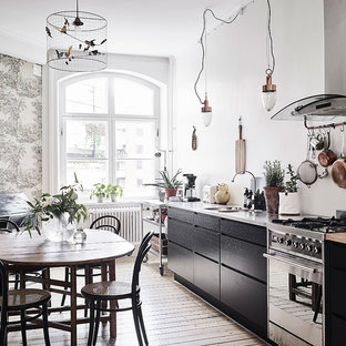 Inspiration for a scandinavian dining room remodel in Gothenburg