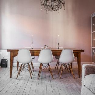 Idee per una sala da pranzo scandinava di medie dimensioni con pareti rosa, parquet chiaro e nessun camino