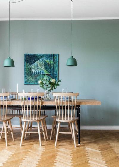 Scandinavian Dining Room by Svensk Fastighetsförmedling, Jönköping