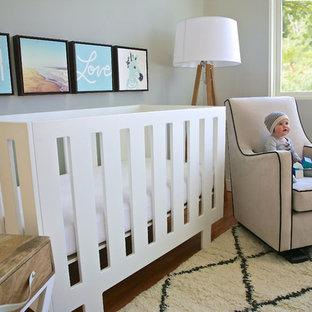 Inspiration pour une chambre de bébé minimaliste.