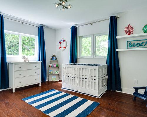 cette image montre une chambre de bb neutre marine avec un mur blanc et un sol - Chambre Garcon Bord De Mer