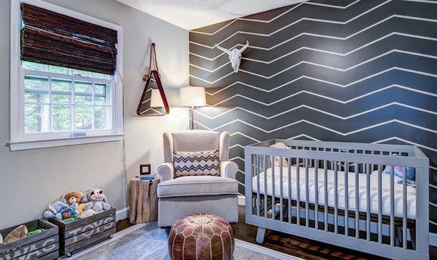 Nyklassisk Babyrum by Kristin McCue