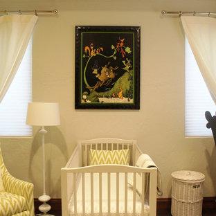 Idee per una cameretta per neonati neutra con pareti verdi