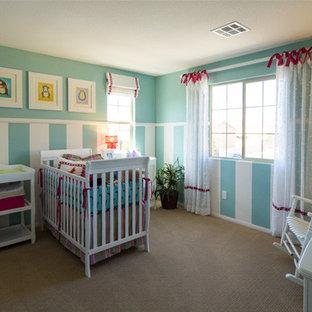 Inspiration pour une chambre de bébé sud-ouest américain.