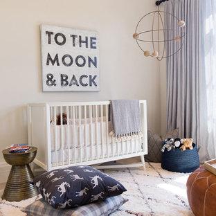 Foto di una cameretta per neonati minimalista
