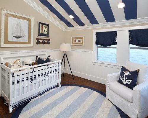 Maritime babyzimmer mit dunklem holzboden ideen design - Wandfarbe babyzimmer ...
