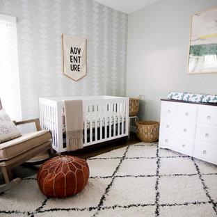 Foto de habitación de bebé vintage de tamaño medio