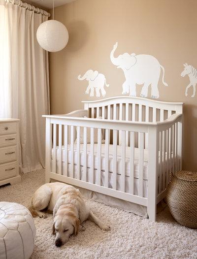 Неоклассика Комната для малыша by Melanie Stewart Design