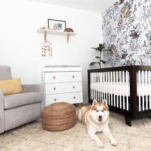 Aménagement d'une chambre de bébé rétro.