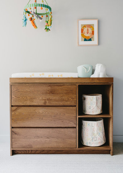 Trendy Babyværelse by Skylar Morgan Furniture + Design