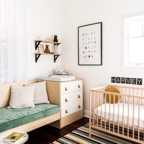Chambre De Bebe A Petit Budget Avec Un Sol En Bois Fonce