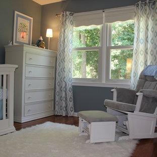 Inspiration pour une chambre de bébé traditionnelle.