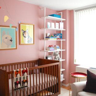 Ejemplo de habitación de bebé minimalista pequeña