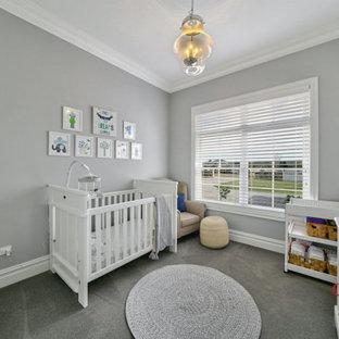 Ejemplo de habitación de bebé tradicional extra grande