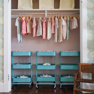 Imagen de habitación de bebé bohemia grande