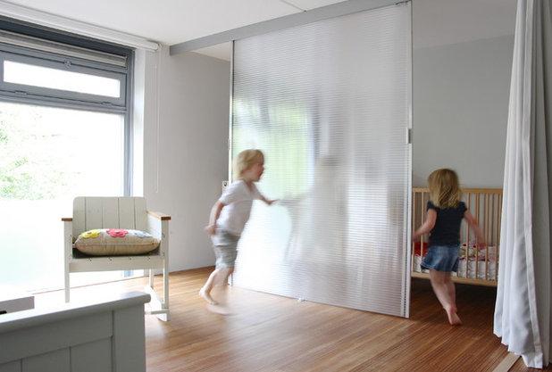cameretta lo spazio per il neonato in un mini appartamento. Black Bedroom Furniture Sets. Home Design Ideas