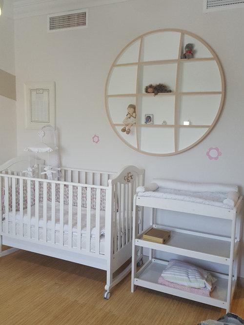 chambre de b b avec un sol en linol um photos am nagement et id es d co de chambres de b b. Black Bedroom Furniture Sets. Home Design Ideas