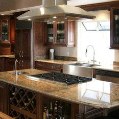 Shop Amaretto Glaze Maple Cabinets Products on Houzz