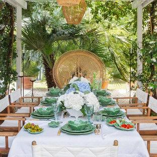 Immagine di un patio o portico tropicale