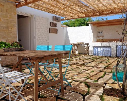 veranda mit outdoor k che mediterran ideen f r die. Black Bedroom Furniture Sets. Home Design Ideas