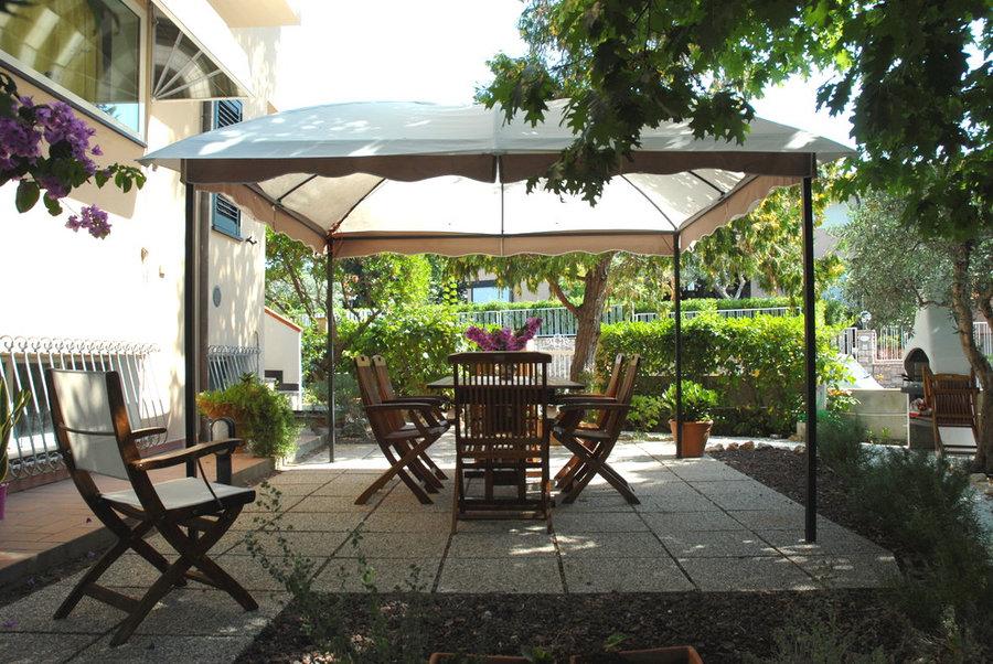 Piccolo patio per oziare d'estate