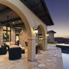 mediterranean patio by Vanguard Studio Inc.