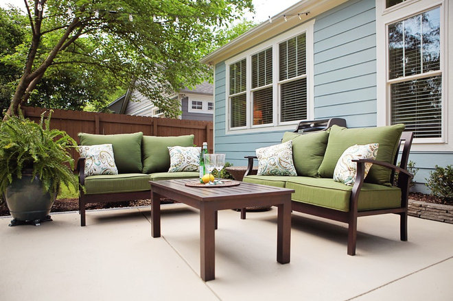 Modern Patio by Bay Street Bungalows