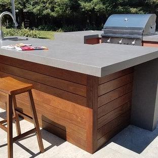 Patio - modern patio idea in Sacramento