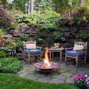 Modelo de patio clásico con brasero