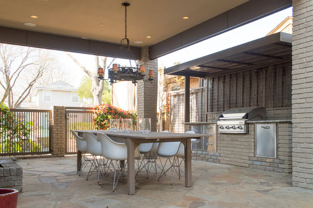 Midcentury Patio by Angela Flournoy