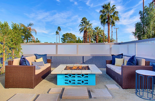Midcentury Patio by Real Estate Judge
