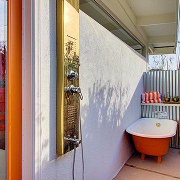 3 Palms - Outdoor Shower & Bathtub