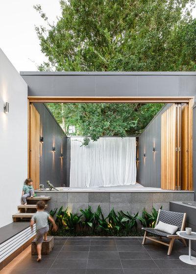 Contemporary Patio by CNC Building