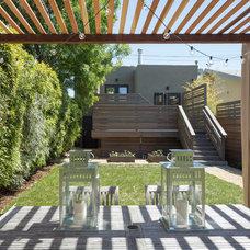 Modern Patio by baranstudio : architecture