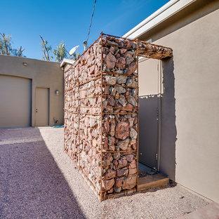 Ispirazione per un grande patio o portico dietro casa