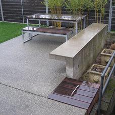 Modern Patio by Brownwork