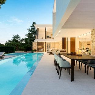 Foto di un ampio patio o portico minimal