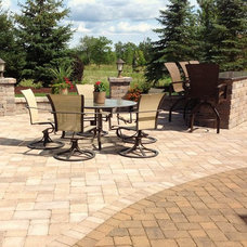 Traditional Patio by Springhetti Custom Outdoor Living