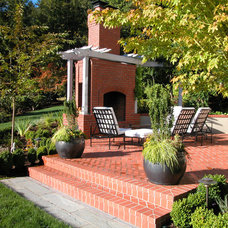 Traditional Landscape by Stangeland and Associates