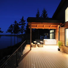 Contemporary Patio by Signature Design & Cabinetry LLC